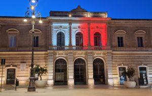 Giornata Nazionale della Donazione di Organi e Tessuti: a Fasano si colora di bianco e rosso Palazzo di Città