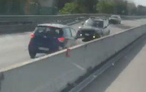 Auto contromano sulla Brindisi-Bari: due morti ed un ferito grave
