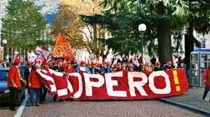 I lavoratori agricoli dalla provincia di Brindisi a Bari per la manifestazione regionale promossa da FAI-FLAI e UILA