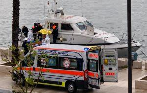 Accusa malore su un traghetto a largo di Brindisi: salvato dalla Guardia Costiera