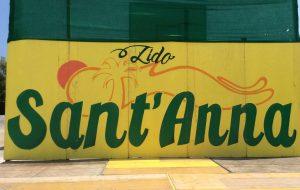 """Sequestrato Lido Sant'Anna, i clienti sul piede di guerra: """"non siamo amanti di lettini ed ombrelloni in fila infinita"""""""