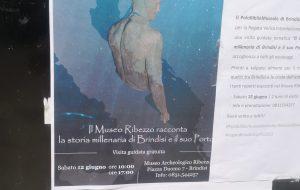 Gli equipaggi della Regata Brindisi-Corfù visitano il Museo Ribezzo