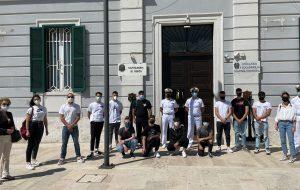 Alternanza scuola-lavoro: la Guardia Costiera accoglie gli studenti dell'Istituto Nautico di Brindisi