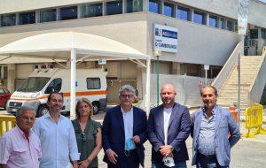 """Ospedale Francavilla Fontana, Caroli e Perrini: """"Erbacce, facciate fatiscenti e posti letto di terapia intensiva non utilizzati, una situazione non degna di un nosocomio"""""""