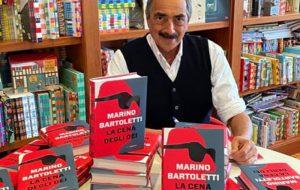 """Latiano: Marino Bartoletti ritira il Premio alla Cultura """"Samadi"""" 2021 e presenta il libro """"La cena degli Dei"""""""