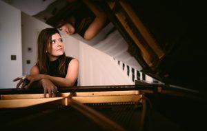 Ceglie Messapica: stasera Melissa Parmenter presenta il nuovo album Messapica