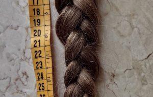 Bimba di 9 anni taglia i capelli e dona una treccia di 40 cm ai malati di cancro