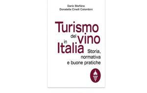 """Dario Stefano presenta il libro """"Turismo del vino in Italia"""" a Tenute Lu Spada"""