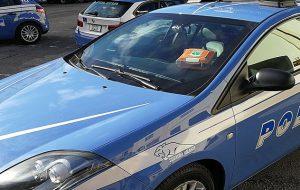 Uomo accusa malore, provvidenziale intervento della Volante con defibrillatore a bordo