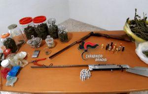 Ceglie Messapica. Rinvenuti 1 Kg. di marijuana e un'arma clandestina: tre arresti e una denuncia